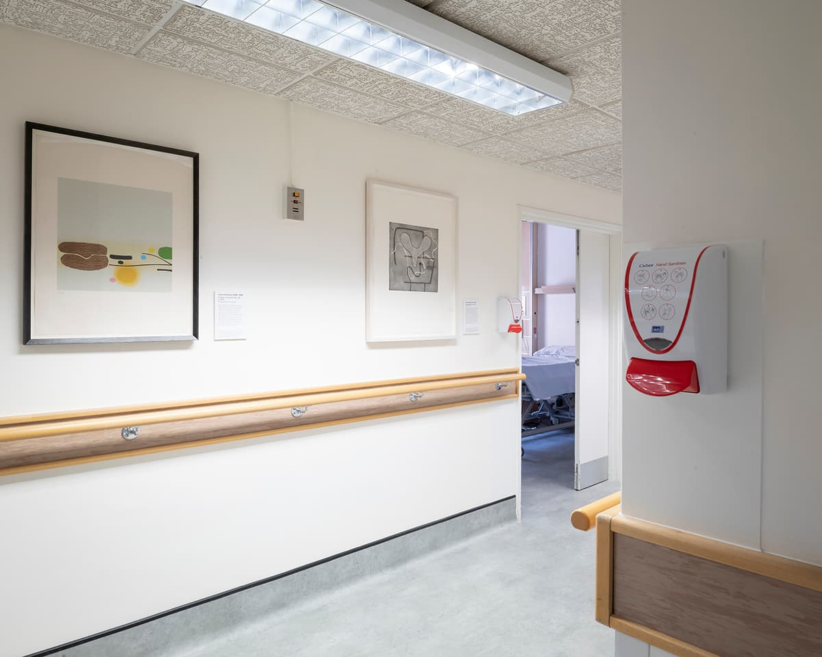 <strong>Respondences 8</strong>, Susan Aldworth, intaglio print, 37×37 cms, 2019 (pictured right). Made in response to Victor Pasmore prints (<i>Points  of Contact No: 34</i> pictured left). Photograph by Jim Stephenson at Guy's Hospital.